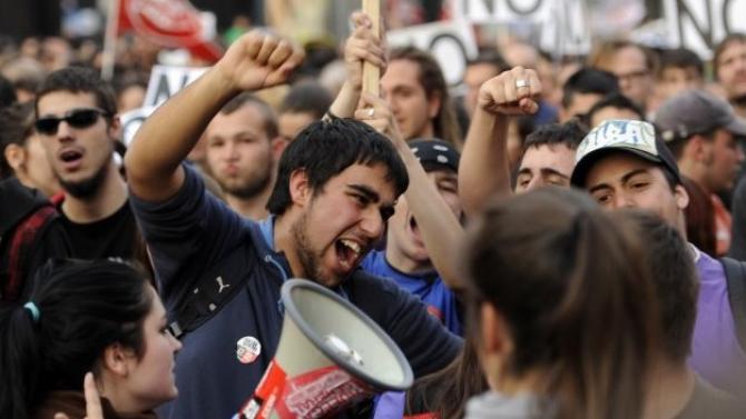 Revoluții, conflicte. Un viitor nesigur