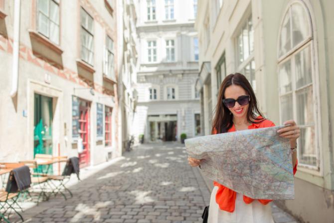 TUI, cel mai mare operator de turism din lume, intenţionează să reia zborurile către principalele destinaţii de vacanţă din Europa