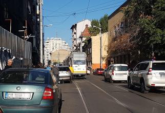 Tramvaiul 21, blocat pe Calea Moșilor
