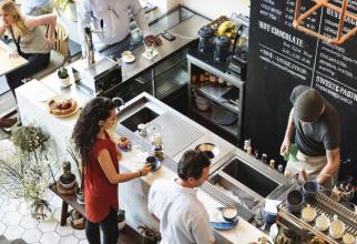 Piaţa restaurantelor şi cafenelelor (F&B) din România înregistrează o creştere anuală de 10% şi ar putea ajunge la 5 miliarde de euro