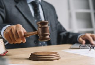 Executarea silită pentru datoriile restante la bănci, furnizori, persoane fizice sau juridice cu care se încheie diverse contracte