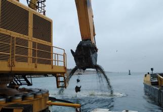Compania Naţională Administraţia Porturilor Maritime (CNAPM) SA Constanţa a încheiat un contract privind achiziţionarea unei noi nave hidrograf