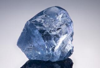 Diamantul albastru de 20 de carate
