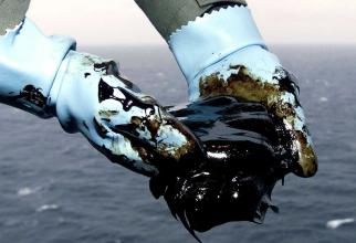 Creşterea cererii globale de petrol ar urma să încetinească din 2025