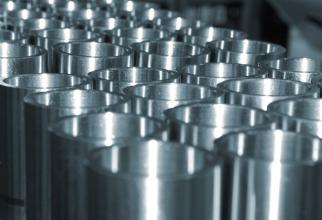 UE a lansat în cadrul Organizaţiei Mondiale a Comerţului (OMC) o procedură de soluţionare a unui litigiu referitor la restricţiile la export impuse de Indonezia pentru materiile prime utilizate în producţia de oţel inoxidabil