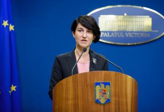 Ministrul Muncii şi Protecţiei Sociale, Violeta Alexandru, a avertizat că nu se va feri să înlocuiască Poşta Română drept canal de distribuţie a pensiilor