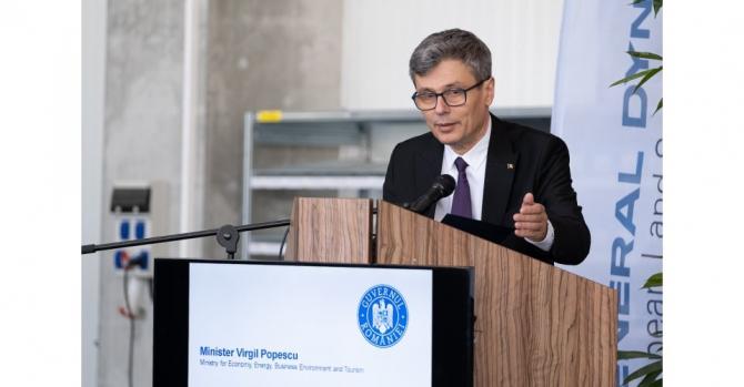 Ministrul Economiei, Virgil Popescu, a declarat miercuri că s-a găsit o soluţie pentru ca bucureştenii să nu aibă probleme cu căldura şi apa caldă
