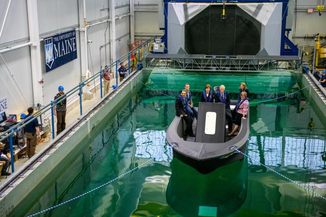 Barca fabricată cu imprimanta 3D