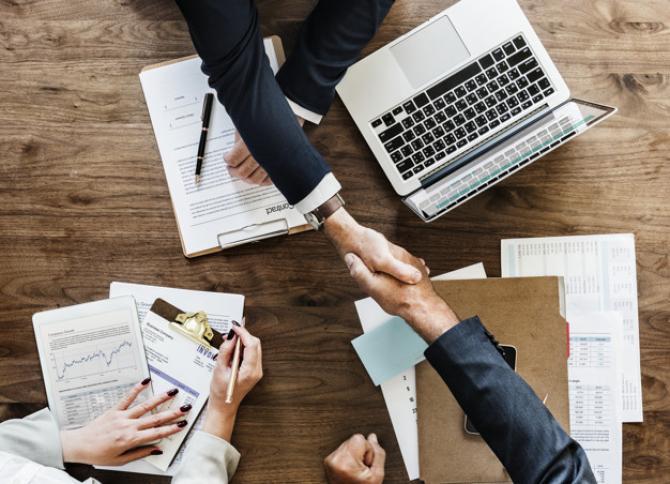 Numărul de angajaţi din industria de business services din România ar putea creşte anul viitor cu 9,6%