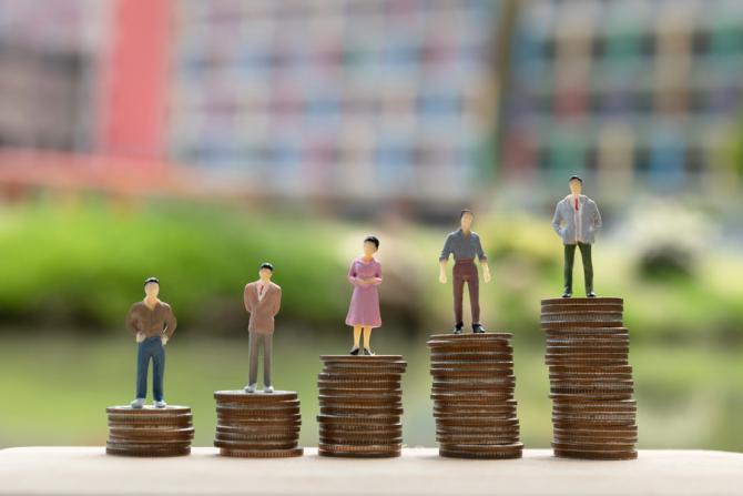 CCR a admis că Legea privind creditele este NECONSTITUȚIONALĂ