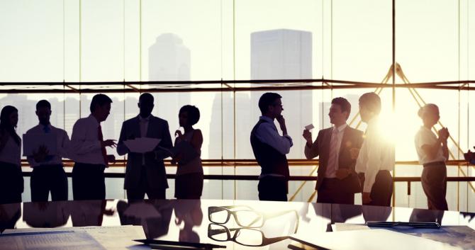 Peste 1,8 milioane de români au făcut afaceri, în 2019