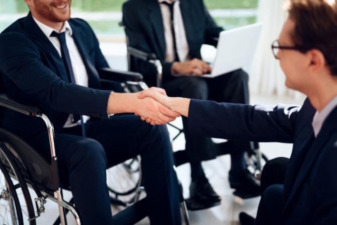 Firmele care aduc printre angajații lor, persoane cu handicap au câteva avantaje față de alte firme