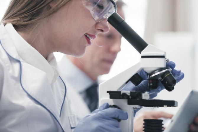 Primul medicament personalizat în funcţie de ADN-ul unui pacient a fost utilizat în Statele Unite