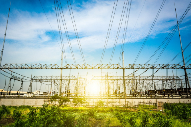 România are, luni, cea mai ieftină piaţă spot de energie electrică din regiune