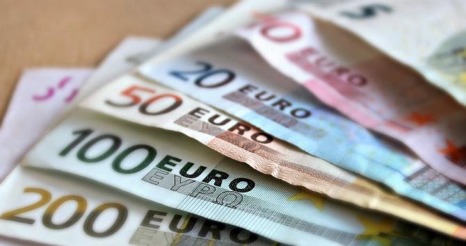 Parlamentul European a adoptat miercuri bugetul Uniunii Europene