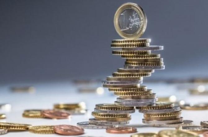 Moneda europeană tot urcă și urcă