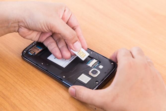 Cartelele preplătite vor putea fi achiziționate doar după prezentarea unui act de identitate
