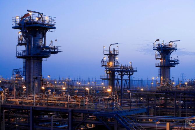 Încetinirea cererii de petrol va schimba polii de putere