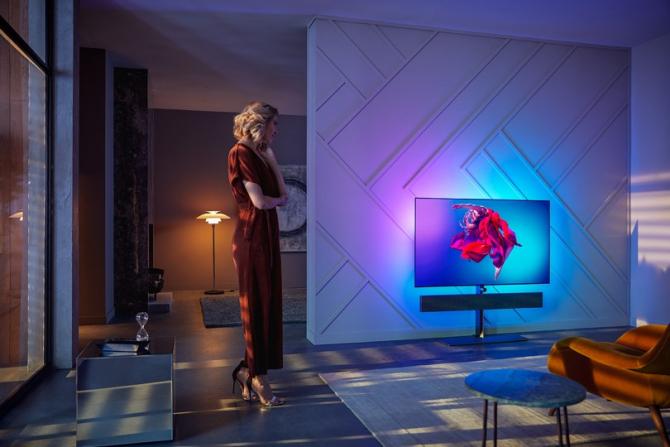 Pholops a scos pe piață televizore produse împreună cu brianicii de la Bowers & Wilkins