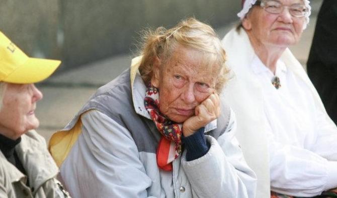 Pensionarii așteaptă majorări, economiștii sunt pesimiști