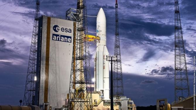 Lansarea unei rachete Ariane 5, care urma să plaseze pe orbită doi sateliţi de telecomunicaţii