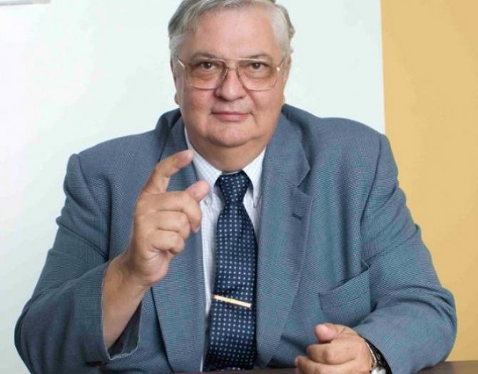 Analistul economist, Coșea Mircea