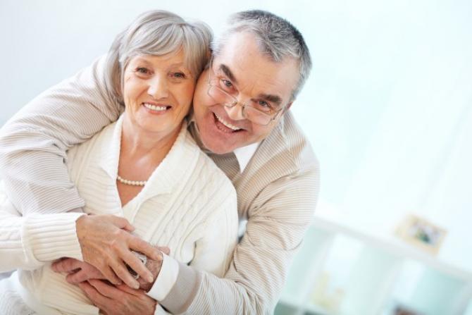 Românii care pot să iasă la pensie mai devreme sunt cei cu grad de handicap