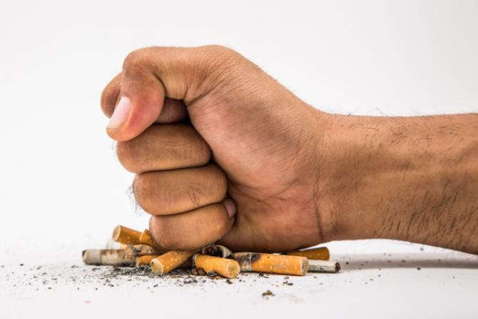 Consumul de tutun poate creşte riscul de dezvoltare a depresiei şi schizofreniei