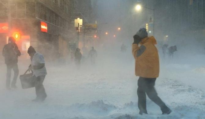 """Furtunile de zăpadă excepţionale au fost o consecinţă directă a apelor """"anormal de calde"""" din Marea Barents."""