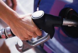 Benzinăria este pe șoseaua de centură