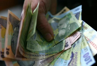 Salariile au crescut față de anul trecut