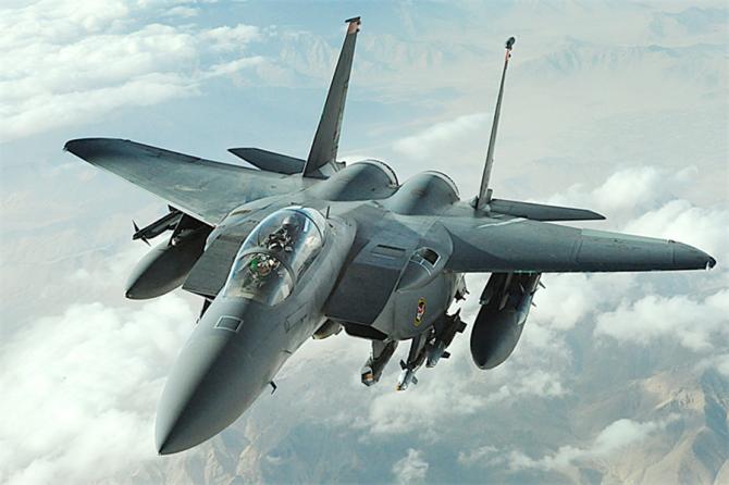 Hackerii pot accesa usor sistemele avioanelor F-15