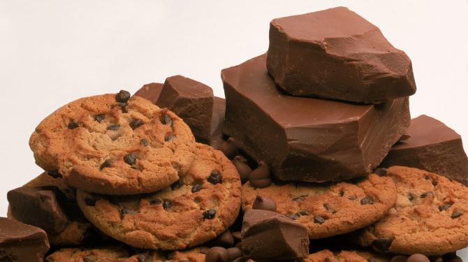 O bătălie crâncenă cu biscuiți și cremă de ciocolată
