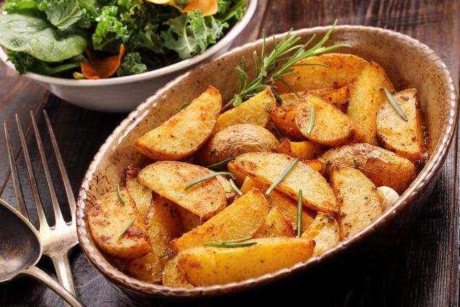 Comenzile online de mâncare românească au crescut cu 120% în ultimul an