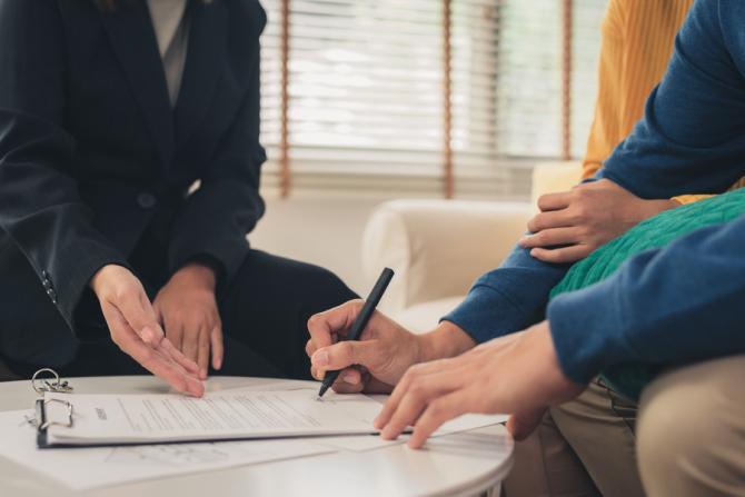 Legea vine în sprijnul celor cu credite restante