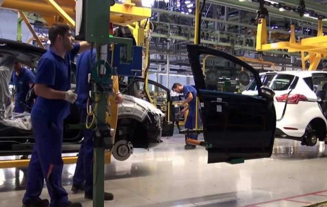 Ford anunță REDUCERI ale producției. Care este MOTIVUL