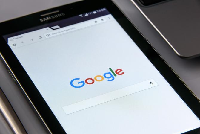 Comisia Europeană cercetează în detaliu modul în care Google își desfășoară activitatea