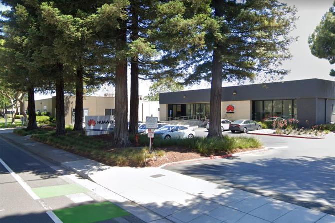 Huawei își mută o parte din birouri din SUA în Canada