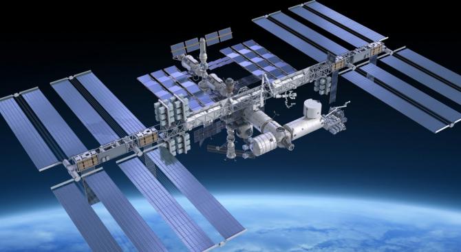 De două decenii pe orbită, Staţia Spaţială Internaţională (ISS) reprezintă singurul laborator de cercetare
