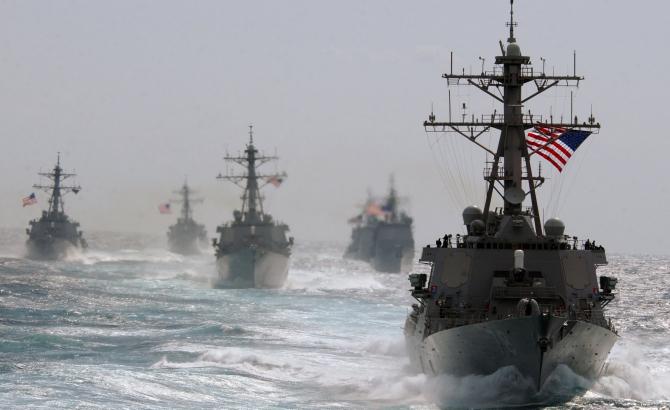 Nave de luptă, distrugătoare, crucișătoare, submarine
