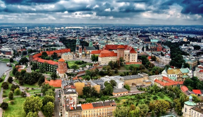 Polonia îşi va redeschide de sâmbătă frontierele pentru cetăţenii celorlalte state membre ale Uniunii Europene