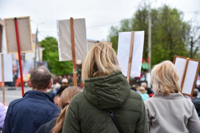 Noi proteste sunt planificare în acest weekend în mai multe oraşe din Germania împotriva restricţiilor legate de coronavirus