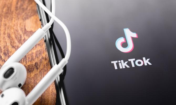 TikTok, noua vedetă a social media