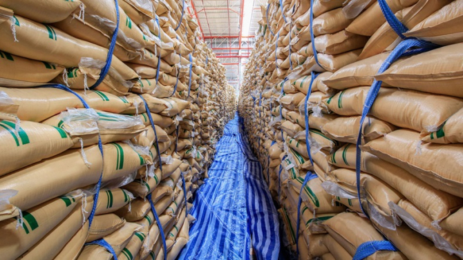Exact într-un moment în care traderii de zahăr prognozează un deficit mondial pentru acest produs