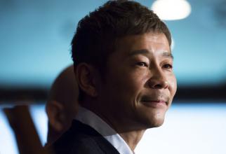 Un miliardar japonez căută o parteneră care să-l urmeze pe Lună