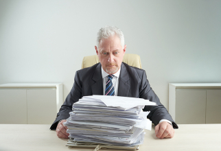 Dosarul de pensionare trebuie reconstituit cu documente de la foștii angajatori