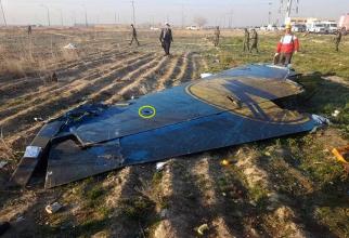 O aripă a avionului Boeing 737 care s-a prăbușit în Iran
