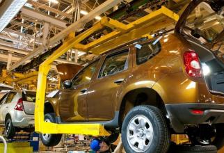 Peste o mie de angajaţi de la Dacia sunt trimişi din nou în şomaj tehnic