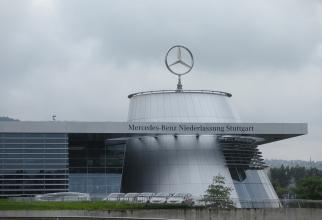 Producătorul automobilelor marca Mercedes-Benz intenţionează să elimine 15.000 de locuri de muncă la nivel mondial