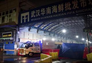 Piața din Wuhan de unde se suspectează că ar fi pornit actuala epidemie de gripă